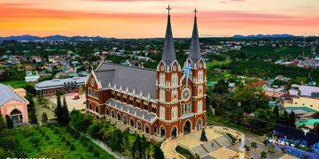 Nhà thờ Thánh Mẫu với kiến trúc độc đáo tại thành phố Bảo Lộc – Lâm Đồng