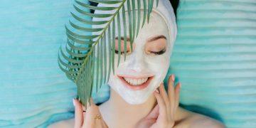 Chăm sóc da như thế nào mới hợp lý khi đi du lịch