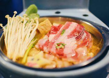 Ăn lẩu 'bồn cầu' và những cách ăn uống kỳ lạ nhất trên thế giới