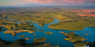 Hồ Cá Heo Bảo Lâm – Địa Điểm Du Lịch Trãi Nghiệm Hoàn Toàn Mới Trên Bảo Lộc