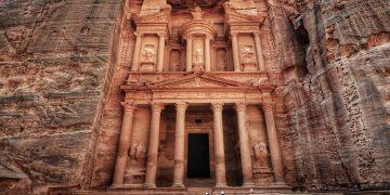 Lạc bước đến thành phố sa mạc cổ đại Petra và Biển Chết của đất nước Jordan